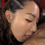 成宮いろはのアナル舐め作品|手コキを交えながらお尻に顔を埋めネットリとケツ穴を刺激する!
