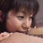 【画像有り】麻美ゆまが舌入れアナル舐めの痴女プレイ 強めの言葉を発しながらケツ穴にベロを突っ込ます!!